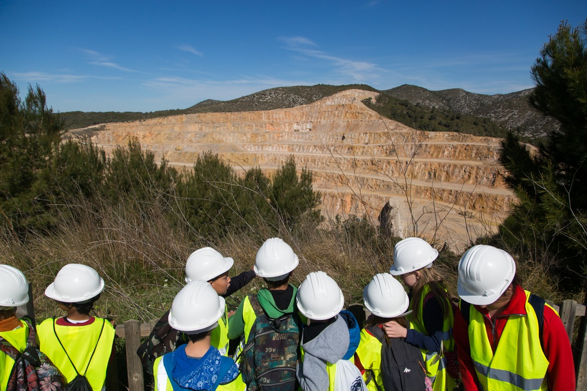 "We celebrate the Day of the Trees and the Aggregates, in the quarry ""The Falconera"", with children"